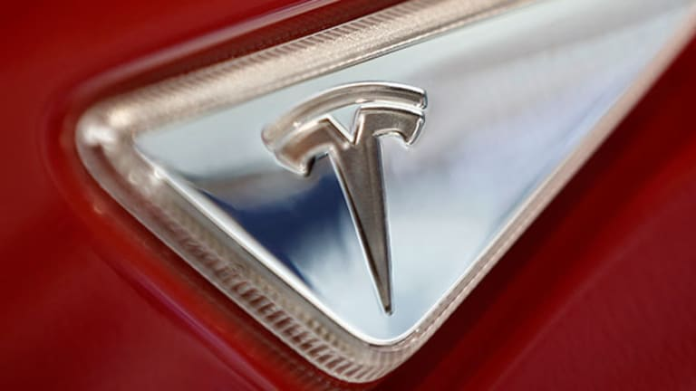DoubleLine Capital Owns Tesla Motors Shares As It Could 'Change Society'
