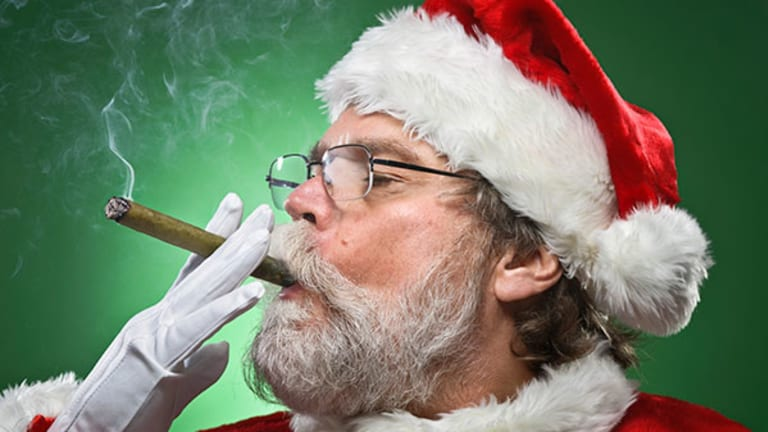 Pot Smoking Santa Painting Removed From Dispensary Windows after Complaints in LA