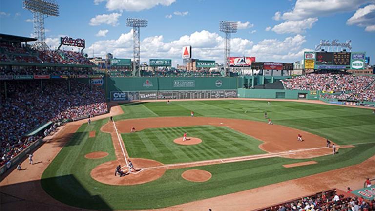 Fall Baseball Getaways: Plan Your Next Vacation Around America's Pastime