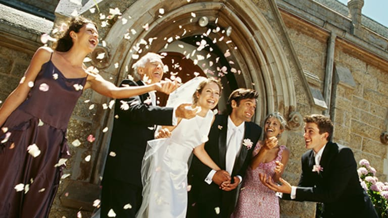5 Free Wedding Apps for Every Bride (And Groom)