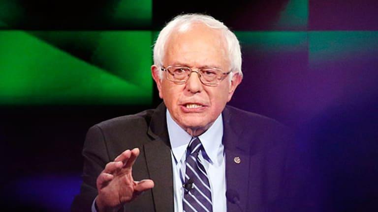 Bernie Sanders Reiterates Plan to End Income Inequality in Democratic Debate