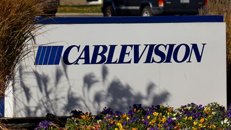 Cablevision Drops Despite Price Target Increase, Verizon Jumps on Upgrade