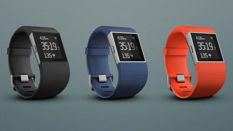 Fitbit Updates IPO Pricing as Apple Watch Gets Set for Retail Launch