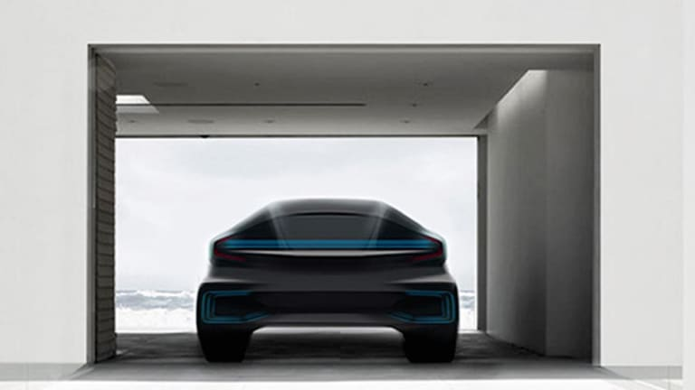 5 Electric Car Firms to Keep an Eye on in 2016