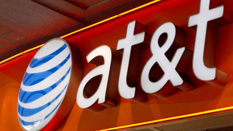 AT&T Jumps on Car Content Deal, Windstream Tanks on Price Cut