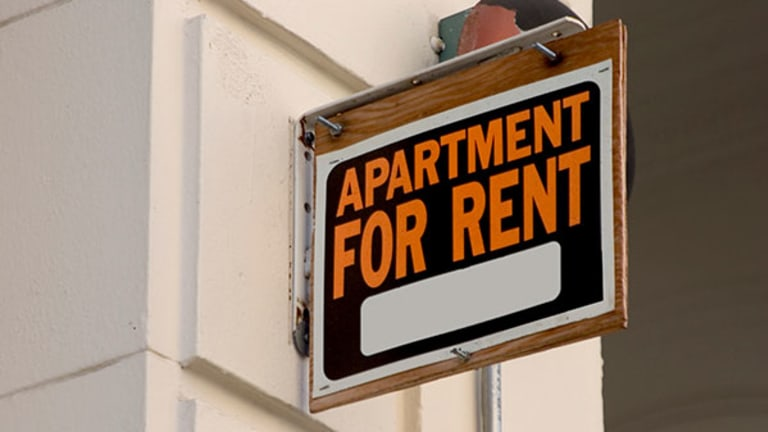 Renters Insurance Makes a Great Graduation Gift
