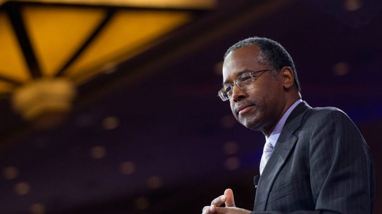 If GOP Frontrunner Ben Carson Was President, Here's What Would Happen to the U.S. Economy