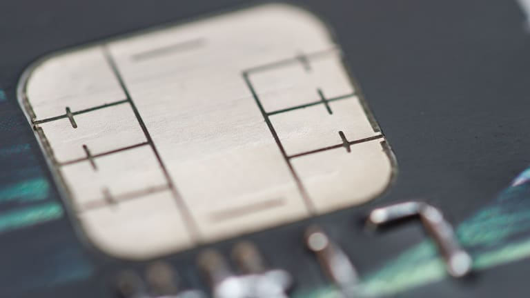 Should You Panic If You Don't Have Chip And PIN Credit Cards?