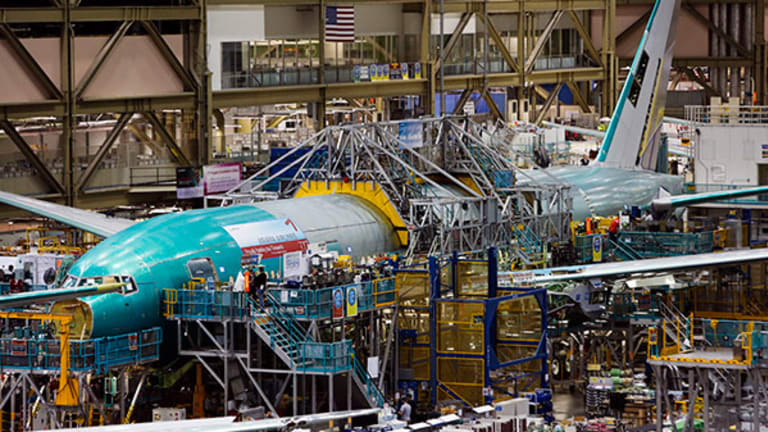 Why Boeing's Prospects in 2017 Are 'Yuge,' Despite Its Recent Woes