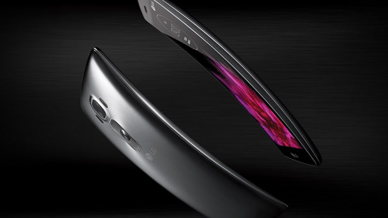 LG G Flex2 Review: Curved Phone Offers More and Less of a Good Thing