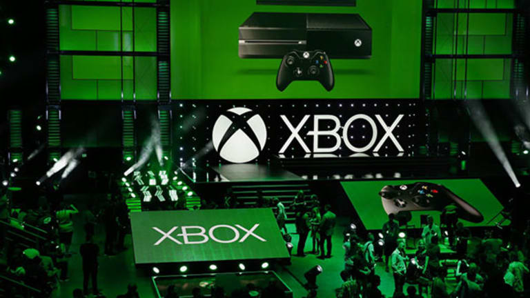 Microsoft Beats Sony to Win the Holiday Video Game Console War