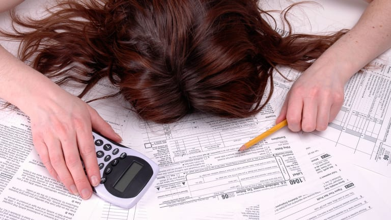 Consumers Who File Taxes Late Face Penalties and Interest