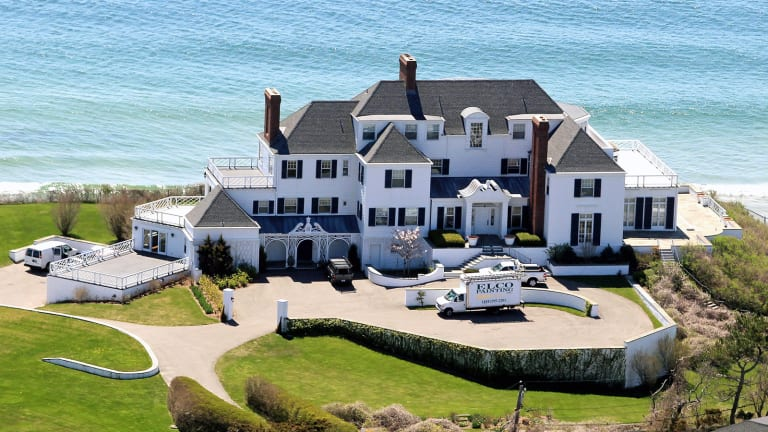 Taylor Swift: Singer, Apple Vanquisher and (Surprise!) Real Estate Mogul
