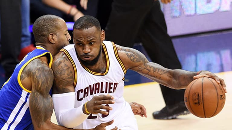 Lebron James, Kevin Durant Fail to Score Big for Team Foot Locker