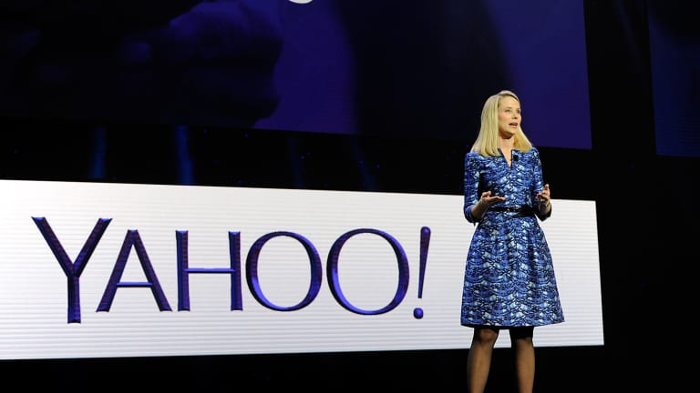 Here's Why AT&T and Verizon Are So Interested in Buying Yahoo!