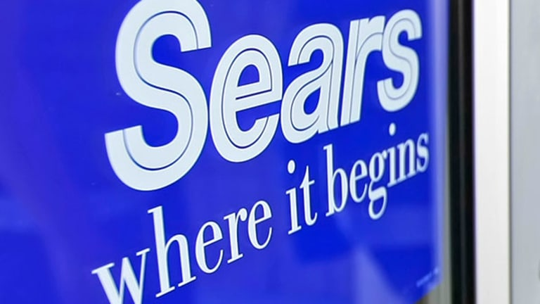 Here's Why Sears and Gap Face Another Tough Quarter
