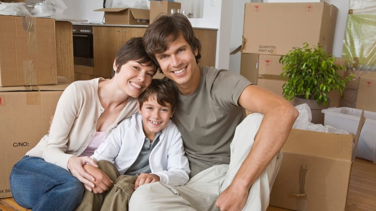 7 Tips To Guide First-Time Homebuyers Through the Process