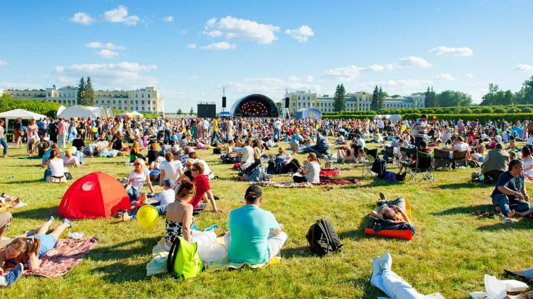 DJ, Producer Armin van Buuren Sees Growth in Electronic Music Industry