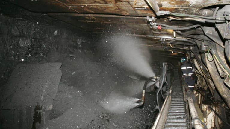 Joy Global's Troubles Epitomize Why to Shun Coal-Related Stocks
