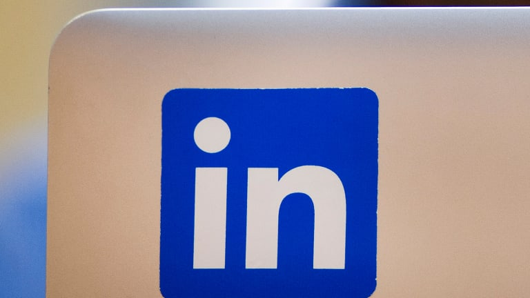 LinkedIn New Mobile App Provides Boost for Social Networking Site in First Quarter