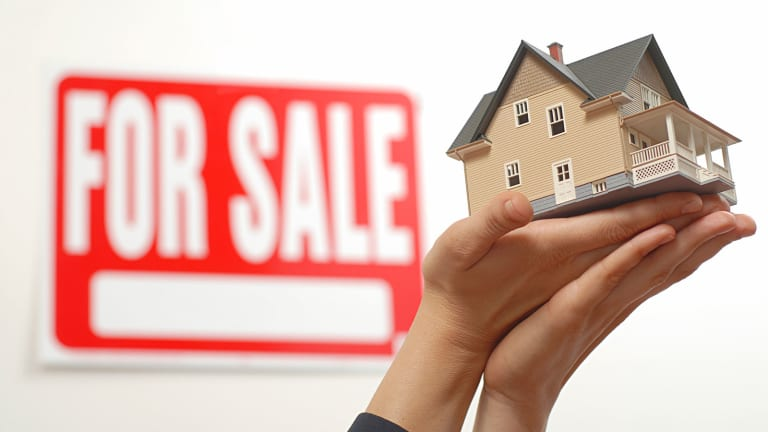 Flipping Frenzy Fueled by Short-Term Homebuyers