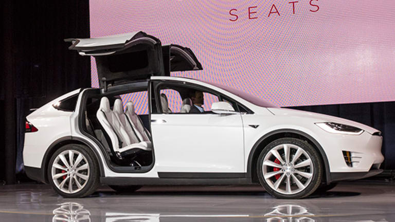 Tesla's Model X Is Mind Blowing in How Awesome It Is