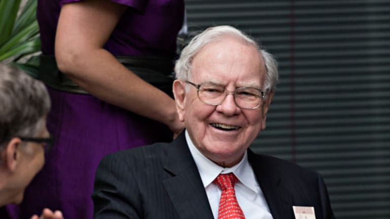 Warren Buffett Announces His 16th eBay Power Lunch Auction