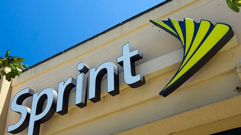 Sprint Surges After 2 Agency Wins, Boingo Wireless a Bust After Earnings Miss