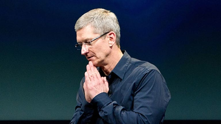 Why Apple's $200 Billion Cash Hoard Isn't Really a 'Problem'