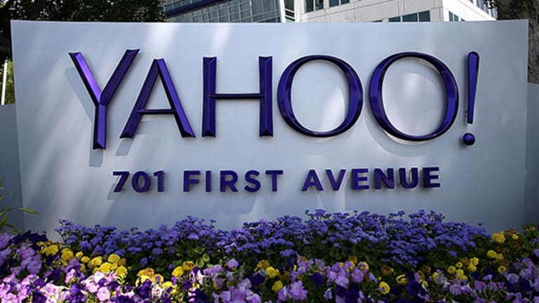 Cramer -- To Play Alibaba, Buy Yahoo!; Put Salesforce in Your Portfolio