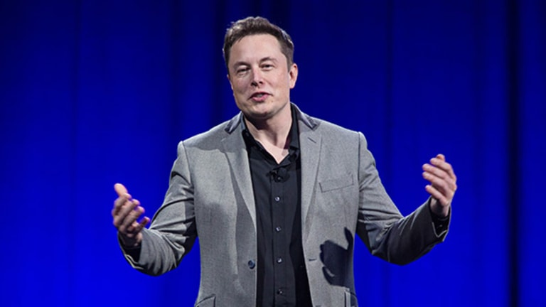 After SolarCity Bid, Elon Musk's Powered-Up Tesla Faces Cold Reception on Wall Street