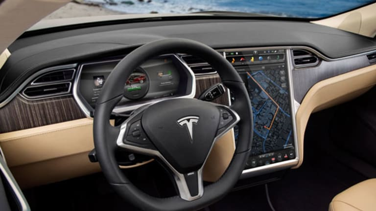 Tesla Seeks to Pacify Customers with New Service Offerings