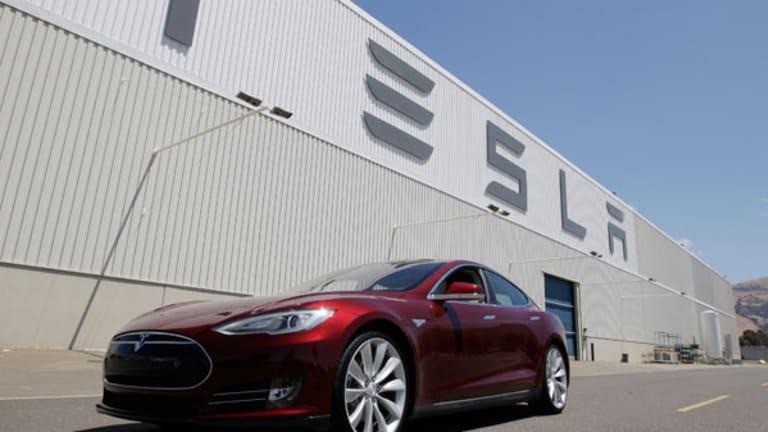 Tesla Unveils Supercharger Network (Update 2)