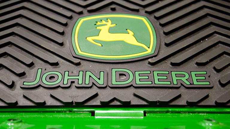 Deere, Lowes Headline Wednesday's Earnings