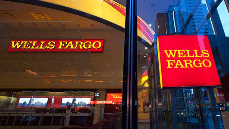 Wells Fargo Profits Rise to New Record, Defying JPMorgan Loss