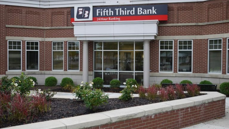 Fifth Third Shares Pull Back on Lower Guidance