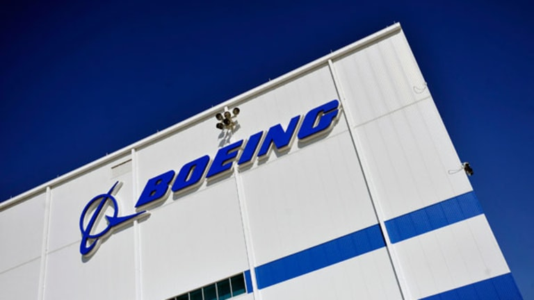 Boeing Beats Estimates and Boosts 787 Target to 14 Monthly by 2020