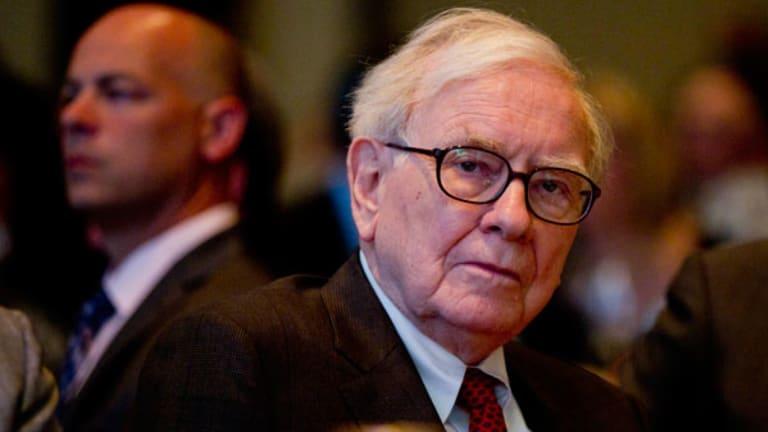 Buffett Questions Performance as S&P 500 Beats Berkshire