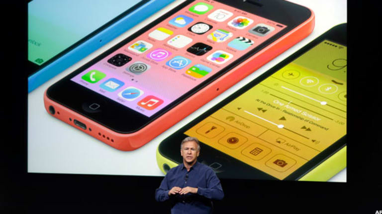 Apple Shares Drop on Profit Margin Concerns