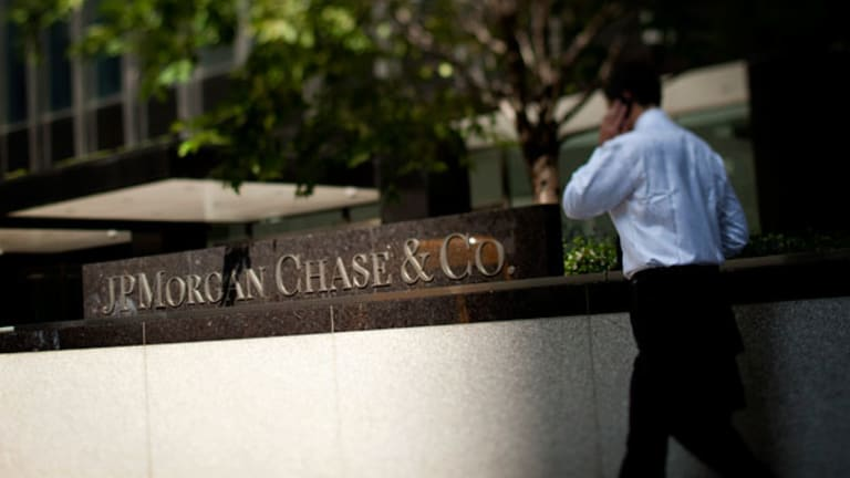 JPMorgan, Wells Fargo Among Regional Banks That Are Vulnerable