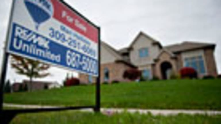 Homebuilder Stocks Tank as Buyers Agonize Over Rising Rates