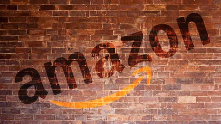 #DigitalSkeptic: E-Retailers Hit a Bricks-and-Mortar Wall