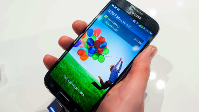 The Digital Skeptic: It's Not That Samsung's Galaxy S4 Is an iPhone Killer