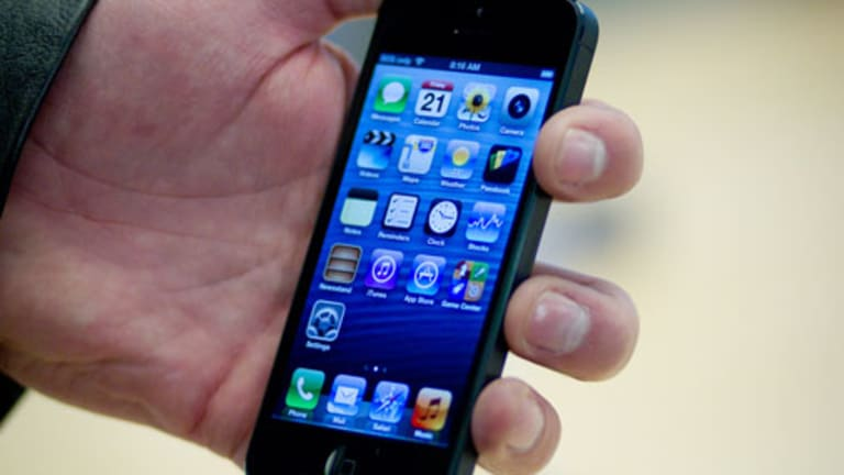 How Apple Will Use the iPhone to Crush Google, Samsung