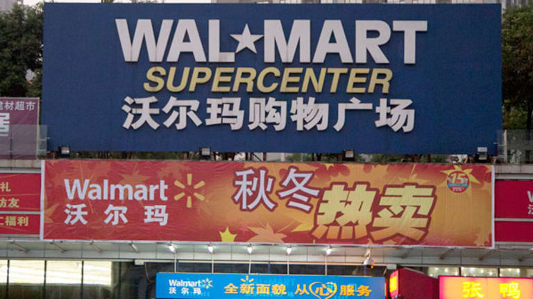 Wal-Mart, Desperate for Growth, Picks Global Head as CEO