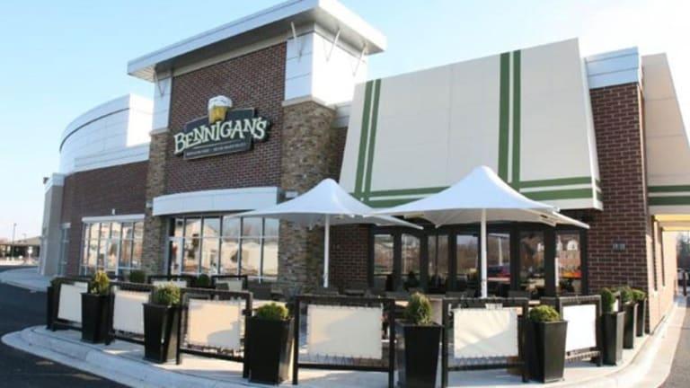 Bennigan's Turnaround Hinges on Franchise Success