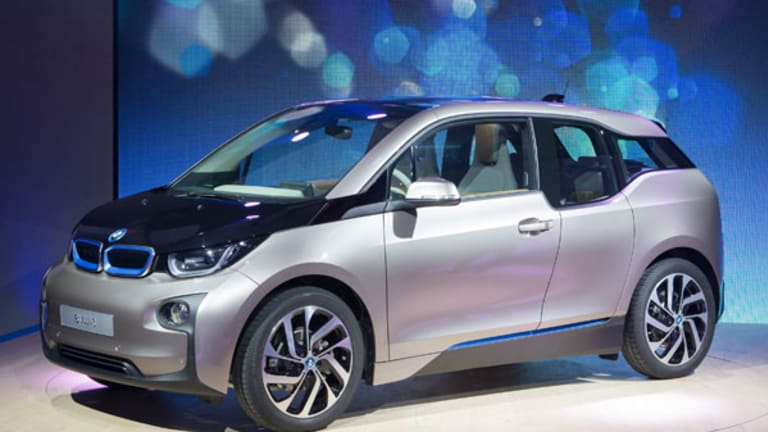 BMW Launches Its Own, Free Supercharger Network for Electric Cars