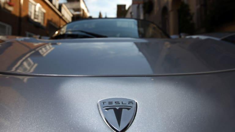 Tesla Drops as Autodata Estimates May Sales