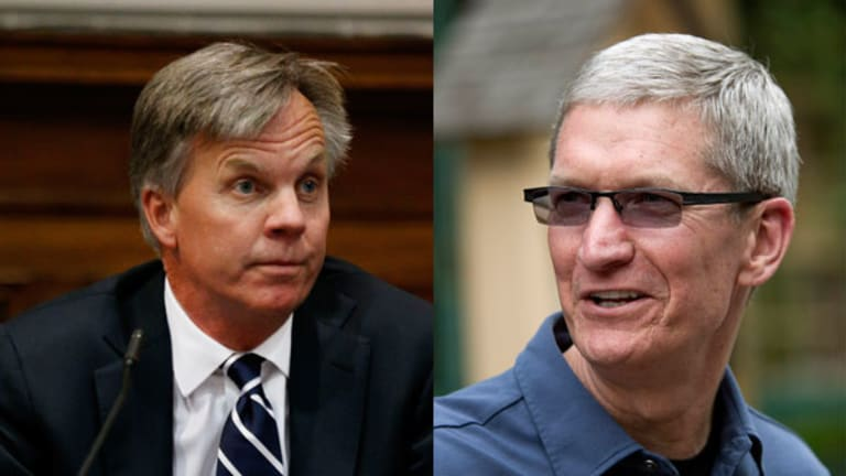 Fire Tim Cook: Too Little, Too Late, Too Stupid