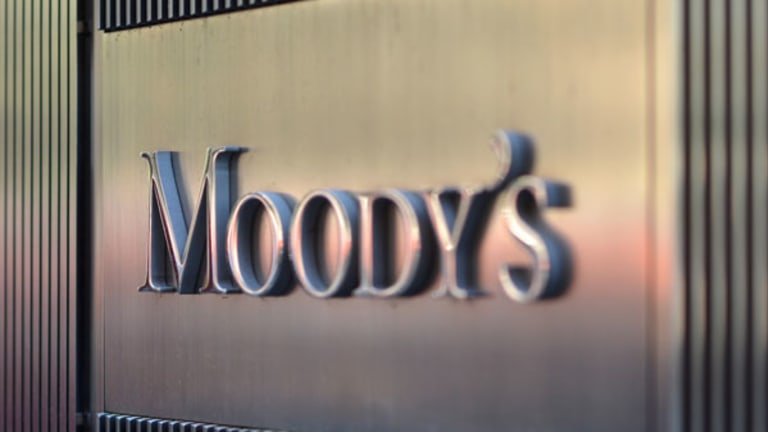 S&P, Moody's Shares Surge on Fraud Lawsuit Settlement